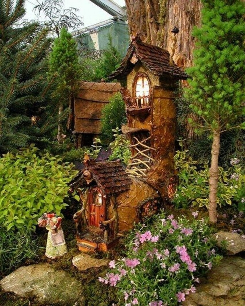 2. Fairy Garden Old Lady Who Lives in a Shoe