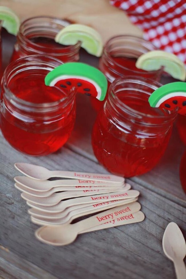 Everyone knows Jell-O tastes even better in cute jars.