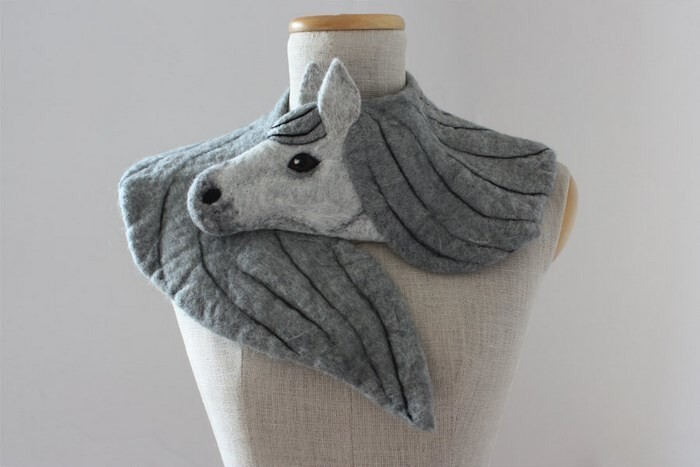 Realistic Felt Animal Scarves That Wrap Around Your Neck To Protect You