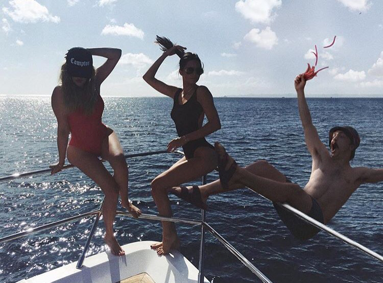 Like this casual shot from a Kardashian/Jenner boat outing: