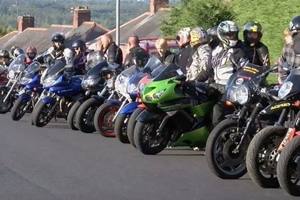 He gathered a group of 126 bikers to accompany his niece Chloe to her prom
