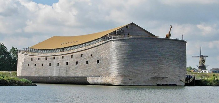 In 2008, Johan Huibers, joined by amateur carpenters, started to build a life-sized replica of Noah's Ark