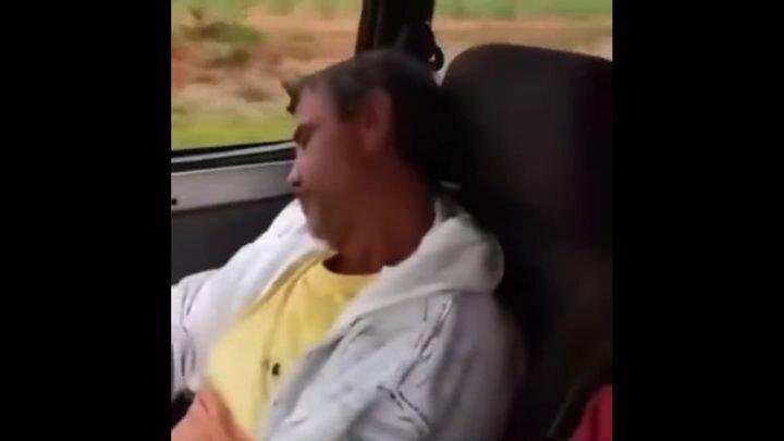 Почему не стоит засыпать в автомобиле в компании друзей