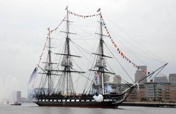 """Фрегат """"Конституция"""" флота США - старейший на сегодня корабль, все еще остающийся на плаву"""