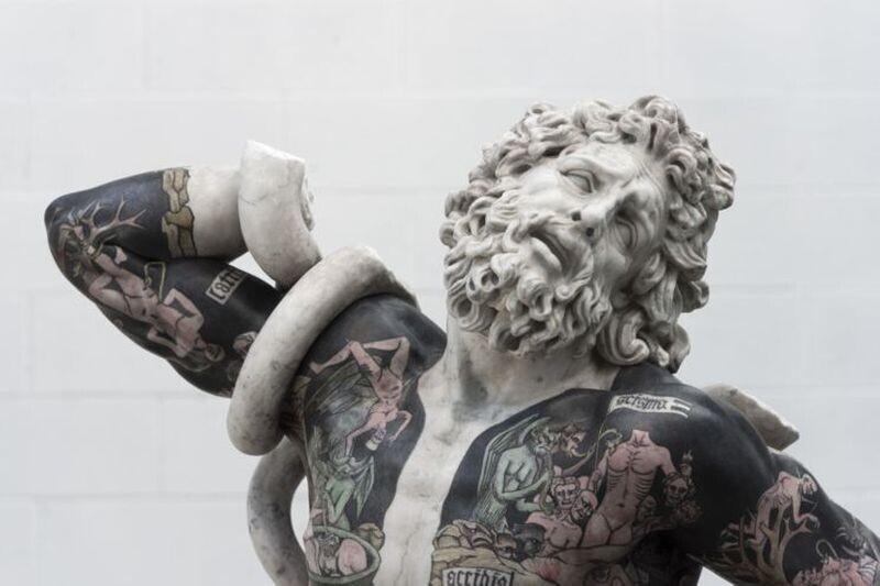 Совместить несовместимое: татуированные скульптуры Фабио Виале