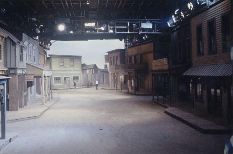 """15. Съемочная площадка культового телесериала """"Gunsmoke"""" (""""Дымок из ствола"""")"""