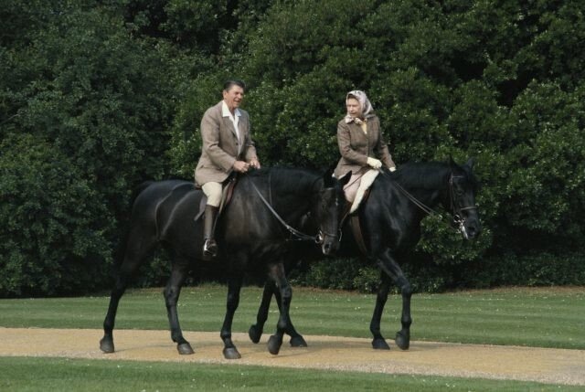 Королева Елизавета IIвстречалась с13президентами США, ноневсевстречи прошли гладко