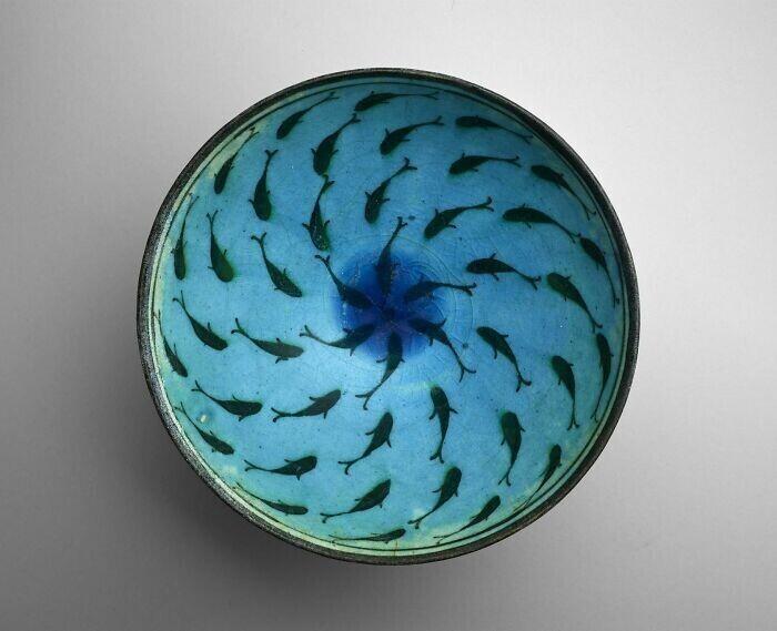 8. Чаша с рыбой. Иран, вероятно, город Кашан (конец XIII – середина XIV века)
