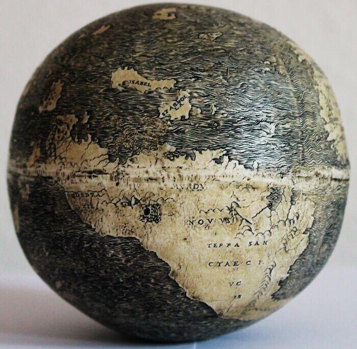 23. Глобус да Винчи, датированный 1504 годом