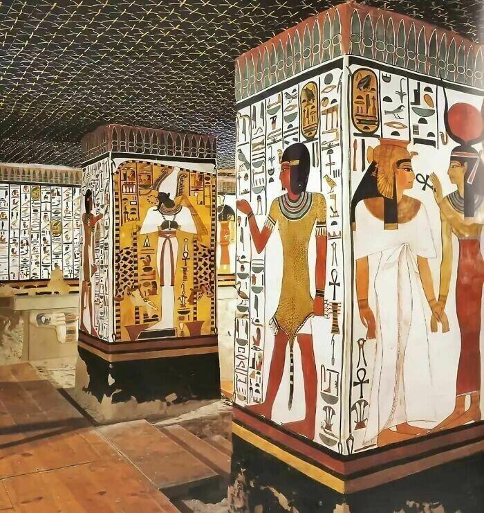 35. Гробница царицы Нефертари, возраст которой составляет 3200 лет, которую также называют Сикстинской капеллой Древнего Египта