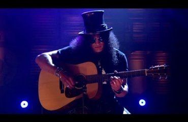Slash Performs New Song on 'Conan'